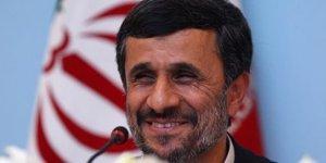 Ahmedinejad: Herkes geri dönüşümden neden korkuyor