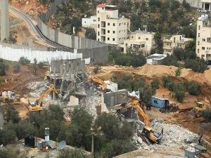 İşgal rejimi Kudüs'te Filistinlilere ait 165 evi yıktı