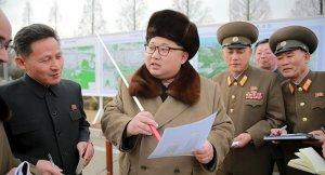 Kim'in katılımıyla balistik füze denemesi yapıldı