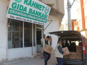 Rahmet Gıda Bankası 2015'te Bin 715 Aileye yardım etti