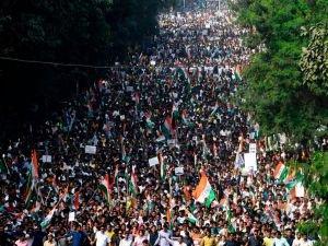 Hindistan'da ayırımcı Vatandaşlık Yasası'na tepkiler devam ediyor