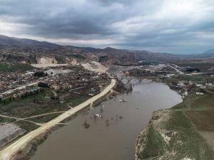 """""""Ilısu Barajı ekonomiye yıllık 412 milyon dolarlık katkı sağlayacak"""""""