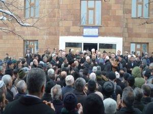 Halk, Şeyh Abdülkerim Çevik'in taziyesine akın ediyor