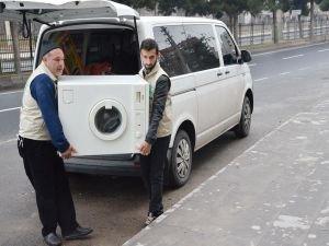 Diyarbakır Umut Kervanı mağdur bir aileyi sevindirdi