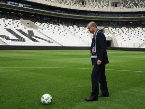 Erdoğan ve Davutoğlu'ndan Arenada futbol şov