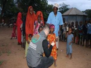 Avrupa Yetim Eli yetimlerin yüzünü güldürmek için Kenya'da