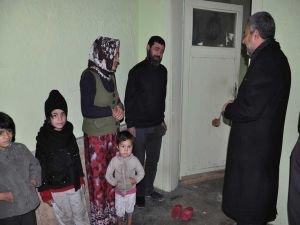 Şahin'den yıkık evde kalan 8 nüfuslu aileye sahip çıkma çağrısı