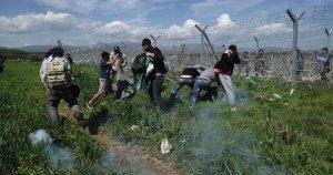 Sınırda sığınmacılara gazlı müdahale