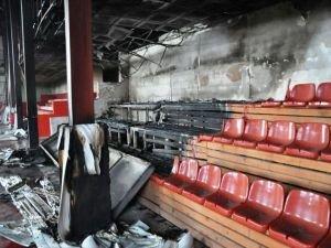 Van'da kapalı spor salonu ateşe verildi