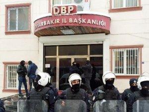 Diyarbakır 'da DBP'nin 4 PM üyesi tutuklandı