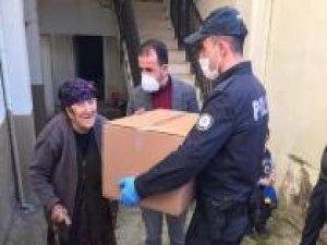 Gaziantep'te kronik hasta ve 65 yaş üstü binlerce kişinin ihtiyacı karşılandı