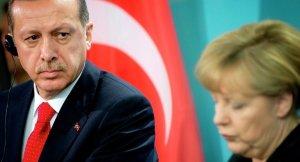 Erdoğan tasarı ile ilgili Merkel'e kaygılarını iletti