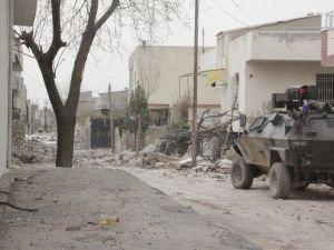 Zırhlı araca roketli saldırı: 3 yaralı