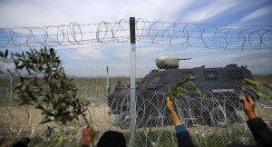 Makedonya polisi ile sığınmacılar arasında gerginlik