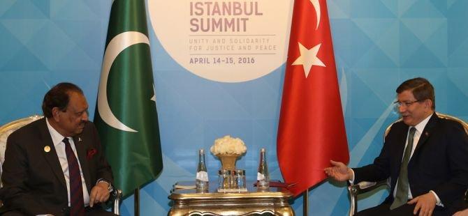 Başbakan Ahmet Davutoğlu, Pakistan Cumhurbaşkanı ile görüştü