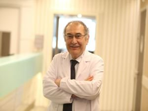 """Prof. Dr. Nevzat Tarhan: """"Kötü dünya sendromu Covid-19 döneminde hızlanacak"""""""