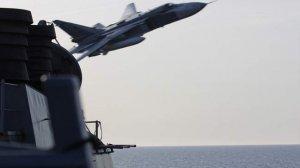 Rus uçaklarının ABD gemisini taciz görüntüleri şoke etti