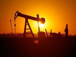 Petrol fiyatı şubattan bu yana ilk kez 57 doları geçti