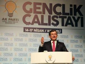 Başbakan Davutoğlu, Kocaeli Gençlik Çalıştayına katıldı