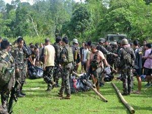 Filipinler ordusu ile Ebu Sayyaf grubu arasında çatışma: 4 asker öldü
