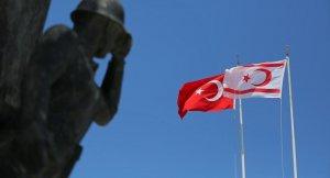 Kuzey Kıbrıs'ta Özgürgün ile Denktaş'tan koalisyon protokolü