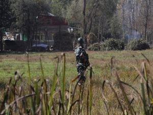 Hint askerlerinden Keşmir'deki sivillere saldırı: Bir şehid 2 yaralı
