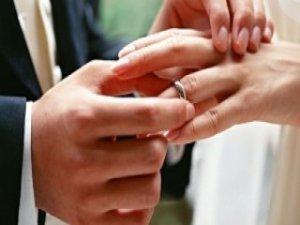 FETÖ'nün 'evlendirme sorumlularına' operasyon