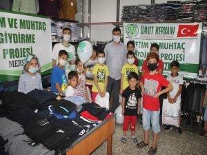 Mersin Umut Kervanından onlarca yetime bayramlık