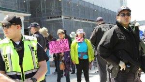 ABD'de 'Demokrasi Baharı'nda gözaltı sayısı bin 200'ü geçti