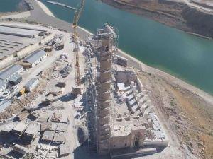 Tarihi Er-Rızk Camii minaresi yeniden örüldü