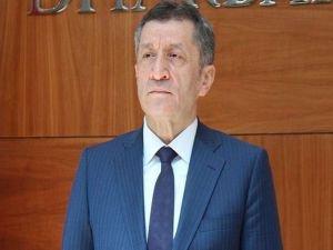 Bakan Selçuk: Türkçe'den başka hiçbir dil ana dil olarak okutulamaz