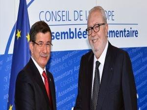 Başbakan Davutoğlu, AKPM Başkanı ile bir araya geldi