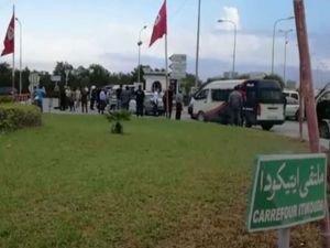 Tunus Ulusal Muhafızları korumalarına bıçaklı saldırıda bulunan 3 kişi öldürüldü