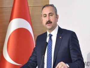Bakan Gül'den İstanbul'daki darp şüphelilerinin serbest bırakılmasıyla ilgili açıklama