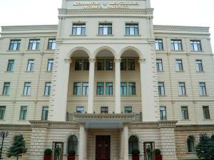 Azerbaycan, helikopterlerinin düşürüldüğü iddialarını yalanladı