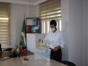 HÜDA PAR Konya 2. Olağan İl Kongresi'nde mevcut başkan güven tazeledi
