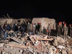 """Ermenistan sivilleri """"Elbrus"""" balistik füzeleriyle vurdu"""