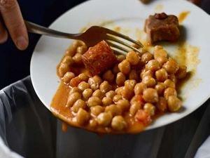 BM: Üretilen gıdaların üçte biri israf ediliyor