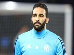Fransız futbolcu Adil Rami: Macron bizi pisliğe itiyorsun