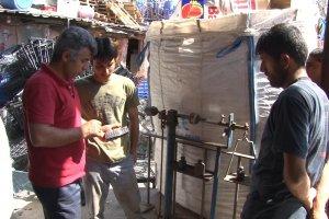 Afganistanlı gençlerin yaşam mücadelesi