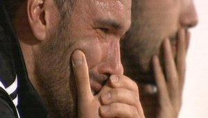 Serdar Kurtuluş gözyaşlarına hakim olamadı