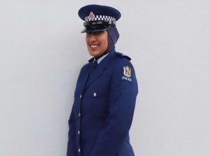 Yeni Zelanda polisinden başörtü kararı