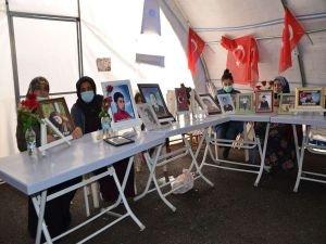 Ailelerin HDP önündeki evlat nöbeti 452'nci gününde