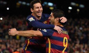Sevilla-Barcelona Süper Kupa için sahnede