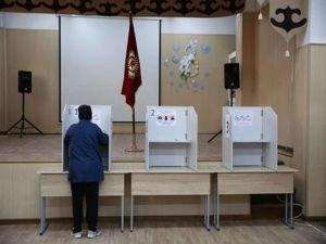 Kırgızistan'da cumhurbaşkanlığı seçimleri için halk sandık başında