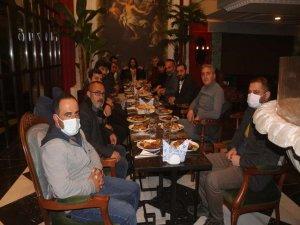 """Van'da """"Gazeteciler Günü"""" adına düzenlenen etkinlikte gazetecilere kaz eti ikram edildi"""