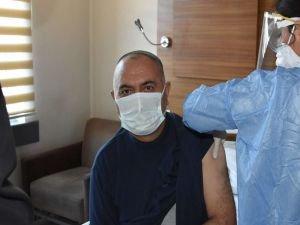 Van'da Coronavirus aşısı yapılmaya başlandı