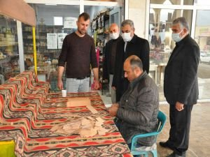 HÜDA PAR heyeti Hasankeyf'te pandemi mağduru esnafı ziyaret etti