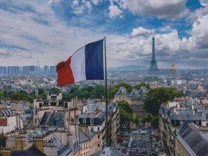 Fransa'da son 24 saatte 19 bin 561 yeni vaka