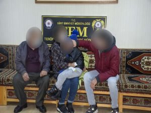İkna edilen 2 PKK'lı teslim oldu